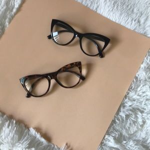 Betsey Johnson large cat eye reading glasses